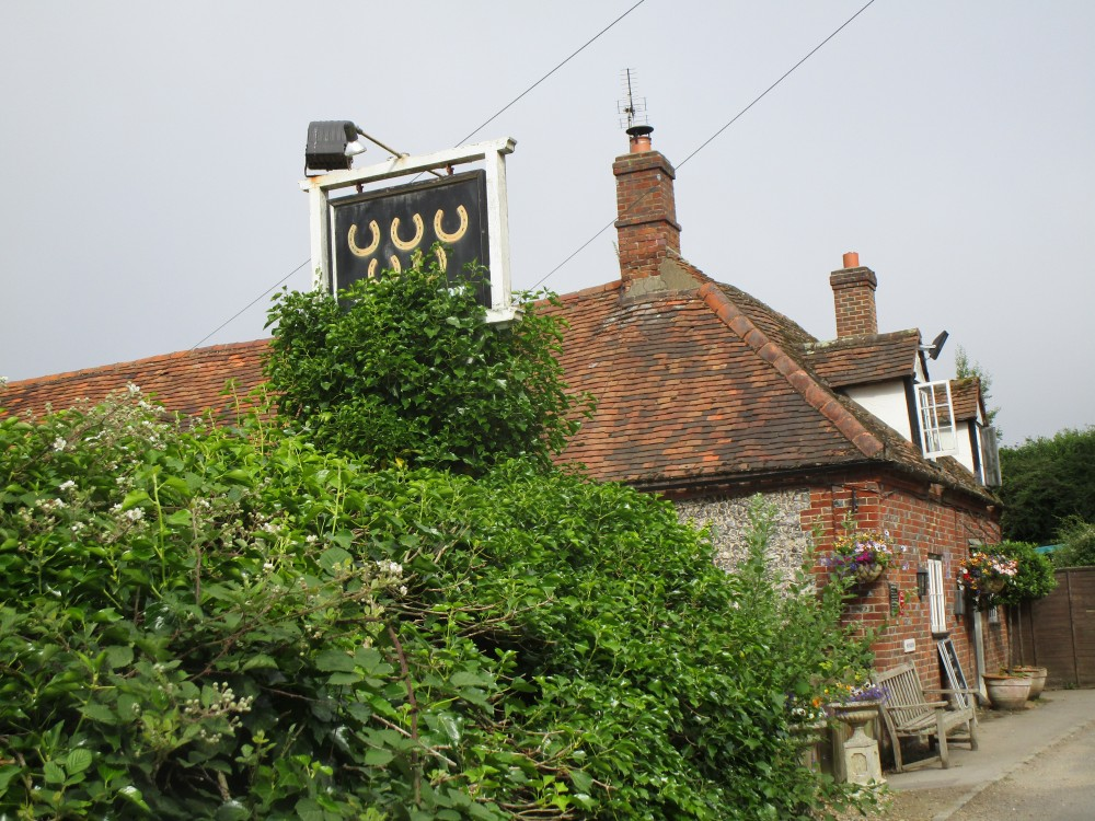Cotswolds dog-friendly inn with dog walk, Oxfordshire - Oxfordshire dog walk with dog-friendly pub