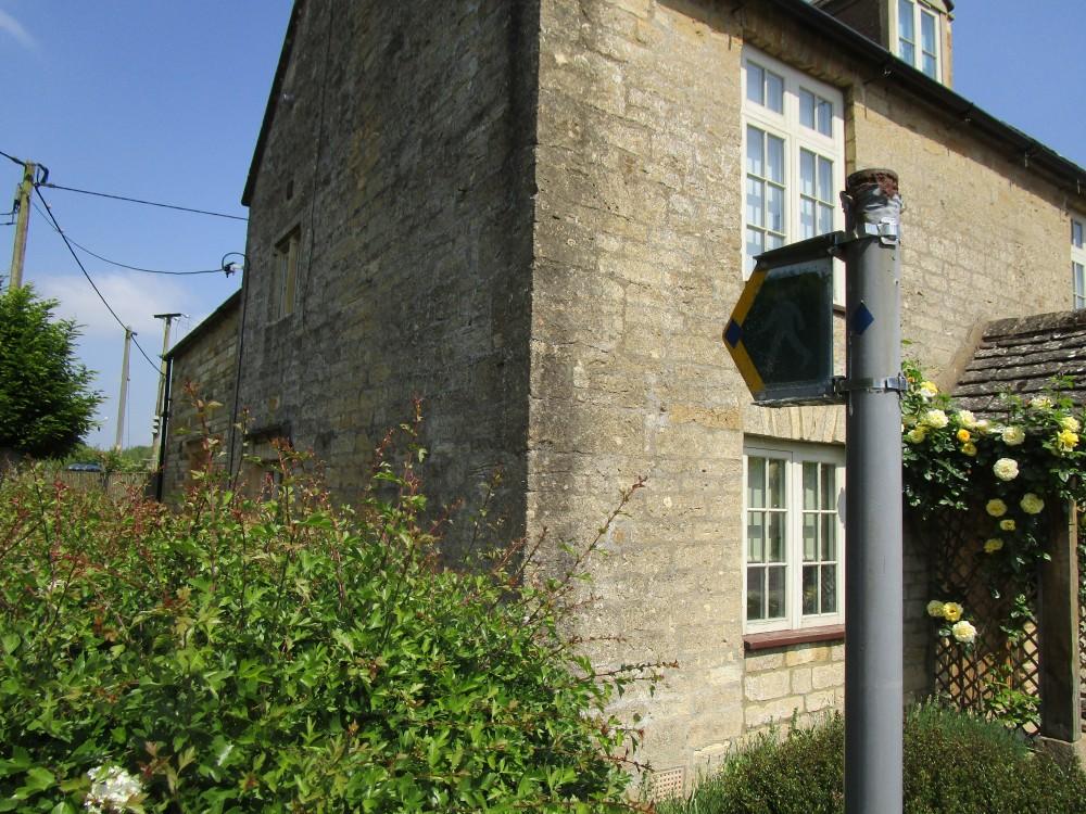 A424 dog walk and pub near Stow, Oxfordshire - dog walks in Oxfordshire