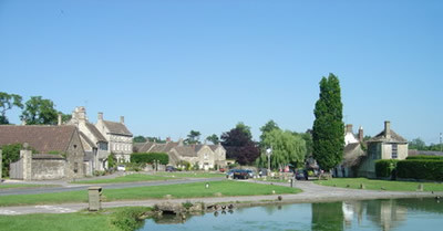 Cotswold village dog walk and dog-friendly inn, Wiltshire - Driving with Dogs