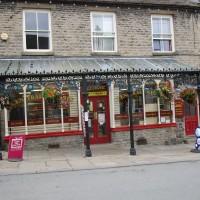 Castle dog walk and dog-friendly pub, North Yorkshire - Yorkshire dog walk and dog-friendly pub
