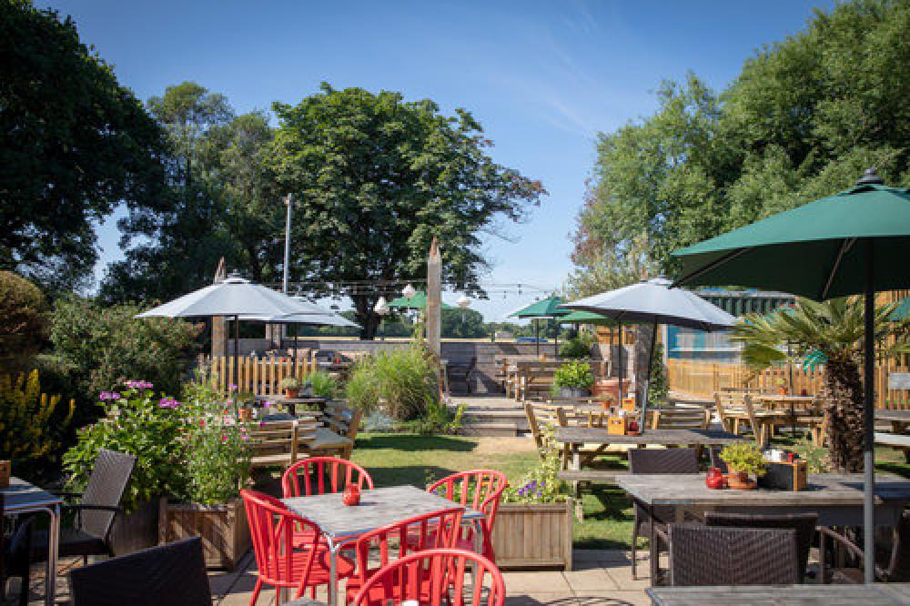 A286 dog-friendly pub near the coast, West Sussex - Sussex dog-friendly pubs.jpg