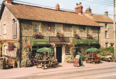 A39 dog-friendly pub and dog walk near the Mendips, Somerset - Driving with Dogs