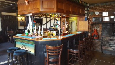 Riverside dog-friendly pub and dog walk, Essex - Driving with Dogs