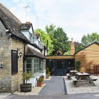 Dog-friendly pub and dog walk near Witney, Oxfordshire - Cotswold dog-friendly pub and dog walk.jpg
