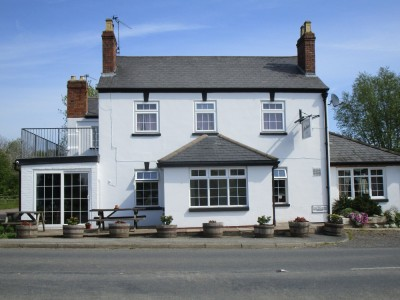 Dog-friendly pub with B&B and camping near Malvern, Worcestershire - Driving with Dogs