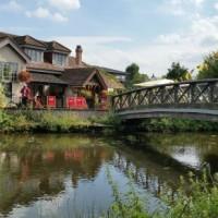 A412 Dog walk and dog-friendly country pub near Ruislip, Greater London