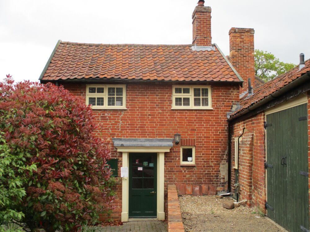 A12 countryside pub near Saxmundham, Suffolk - Suffolk dog-friendly pub