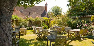 A259 dog-friendly pub and dog walk near Chichester, West Sussex - Driving with Dogs