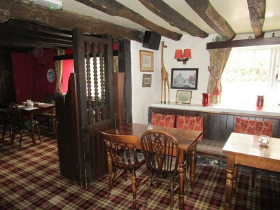 A29 dog walk and historic inn, West Sussex - Driving with Dogs