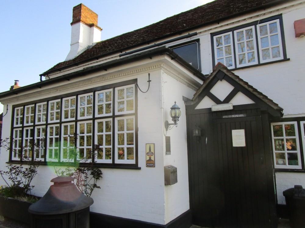 A281 dog walk and pub near Alford, Surrey - Surrey dog walks and dog-friendly pubs.JPG