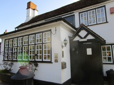 A281 dog walk and pub near Alford, Surrey - Driving with Dogs