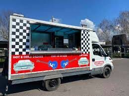A27 Westbound - Bob's dog-friendly Diner on the Chichester By-pass, West Sussex - Driving with Dogs