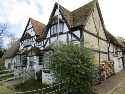 A420 dog-friendly pub and dog walk in the shadow of the White Horse, Oxfordshire - Driving with Dogs
