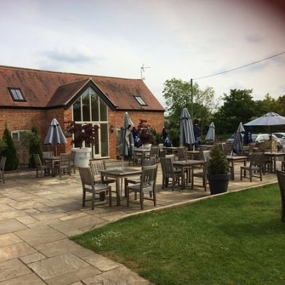 A46 coaching inn near the M5 Jct 9, Gloucestershire - Driving with Dogs