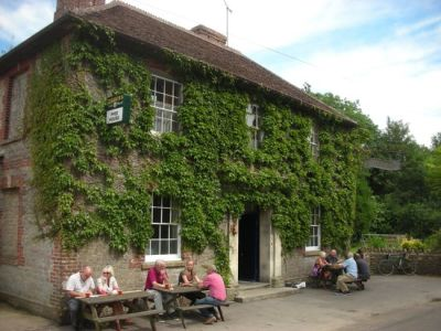 A359 dog-friendly pub and dog walk near Frome, Somerset - Driving with Dogs