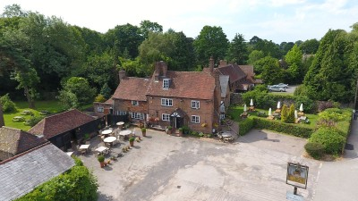 A22 dog-friendly pub and dog walk near East Grinstead, Surrey - Driving with Dogs
