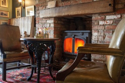 A338 dog walk and dog-friendly pub, Hampshire - Driving with Dogs