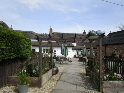 A34 dog-friendly inn and dog walk near Oxford, Oxfordshire - Driving with Dogs