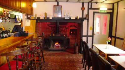 Dog-friendly dining and an easy short dog walk, Cambridgeshire - Driving with Dogs