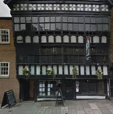 Chester dog walks and dog-friendly inn, Cheshire - Driving with Dogs