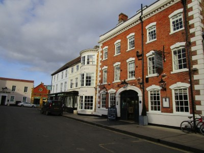 A3400 coaching inn and dog walk, Warwickshire - Driving with Dogs