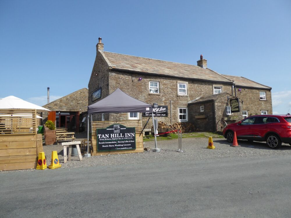 Iconic and dog-friendly pub on the Pennine Way, North Yorkshire - Dog walks and dog-friendly pubs in the Pennines