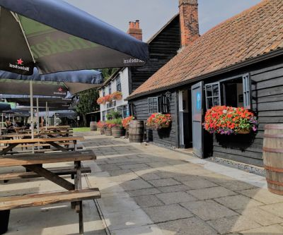 A130 Dog-friendly pub on the Crouch near Wickford, Essex - Driving with Dogs