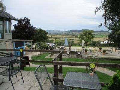 Dog-friendly refreshments near the Winchcombe Way, Gloucestershire - Driving with Dogs