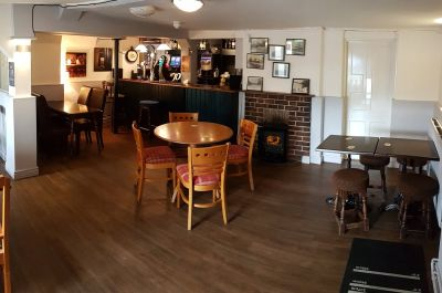 Welcoming dog-friendly pub with Thai food, Cambridgeshire - Driving with Dogs
