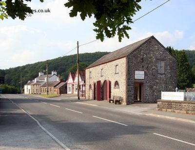 A482 Dog-friendly inn with B&B and dog walks, Wales - Driving with Dogs