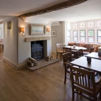 A4 Superb cafe and dog walk, Wiltshire - Wiltshire dog friendly pub and dog walk