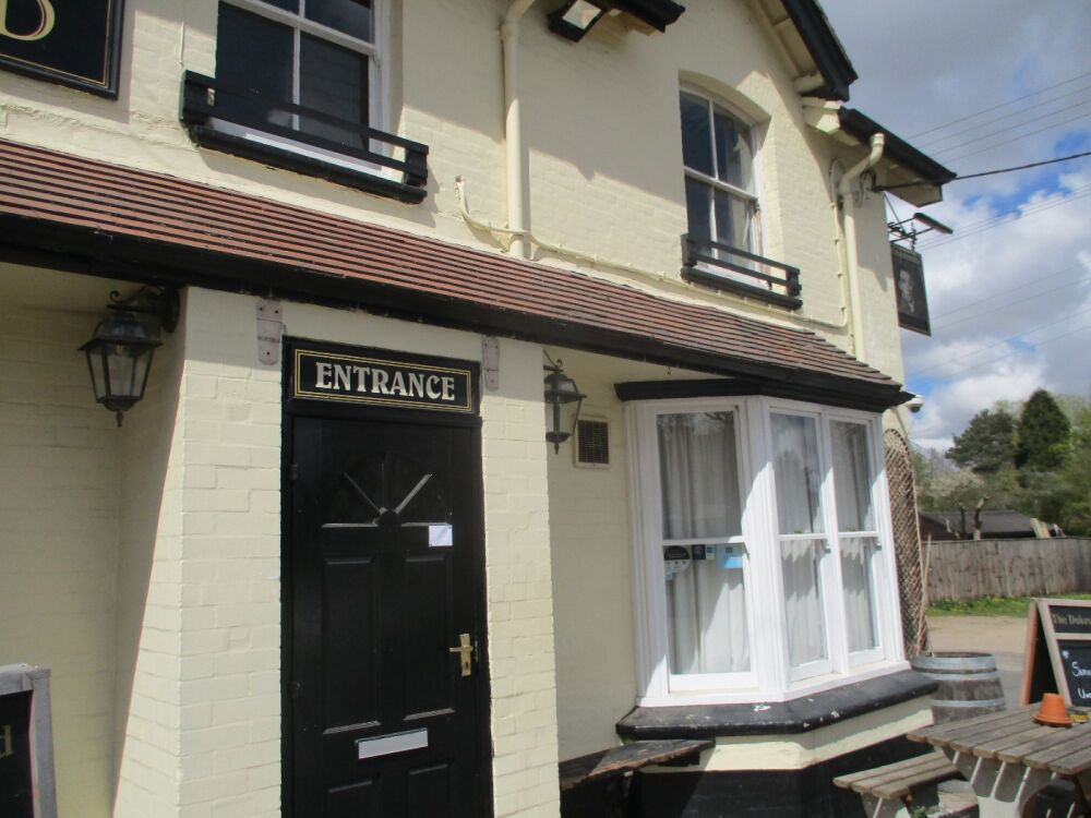 Village green for picnics and a dog-friendly pub, Norfolk - Dog-friendly pub and dog walk near Aylsham