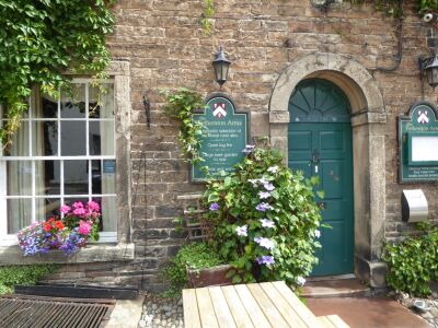 Historic pretty village and dog-friendly country inn, Cumbria - Driving with Dogs