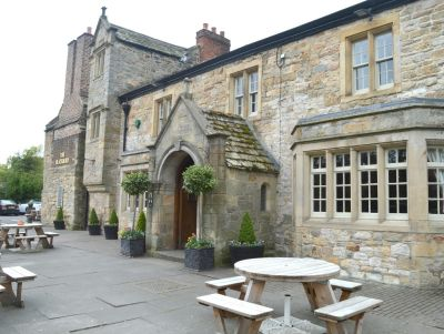 A696 Dog-friendly inn and historic building, Northumberland - Driving with Dogs
