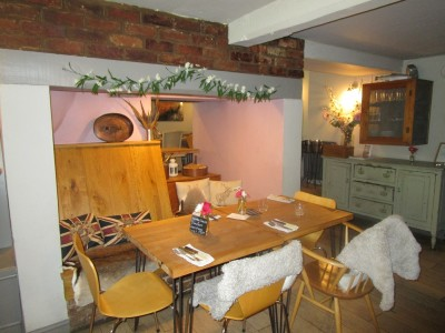 M40 Junction 11 dog walk and dog-friendly dining, Warwickshire - Driving with Dogs