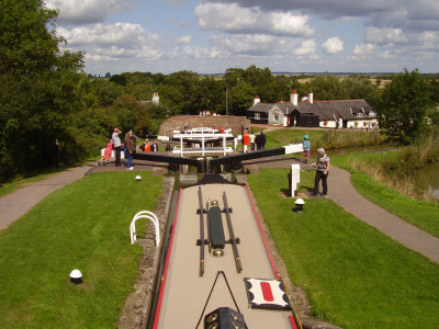A6 - Waterside dog walk and dog-friendly pub, Leicestershire - Driving with Dogs