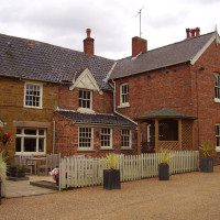 Dog walk and dog-friendly pub just off the A1, Lincolnshire - Dog walks in Lincolnshire