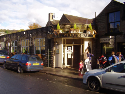 Bakewell dog-friendly pub, Derbyshire - Driving with Dogs