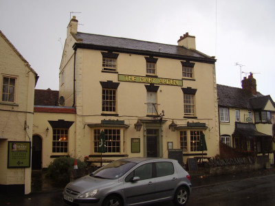 Wilmcote dog-friendly pub with dog walk, Warwickshire - Driving with Dogs