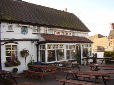 M6 Junction 4 dog-friendly pub and dog walk, Warwickshire - Driving with Dogs