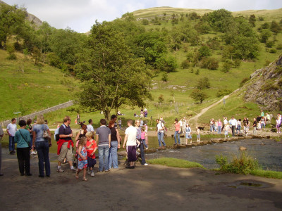 Dovedale Delight dog walk, Derbyshire - Driving with Dogs