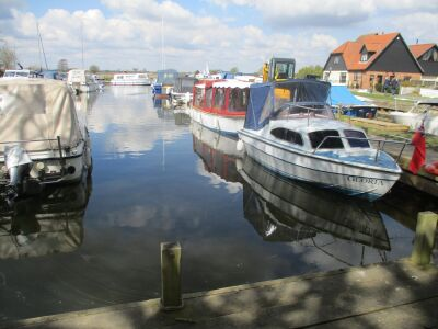 River Thurne walk and dog-friendly pub, Norfolk - Driving with Dogs