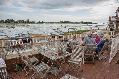Dog-friendly pub and walk from historic village, West Sussex - Driving with Dogs