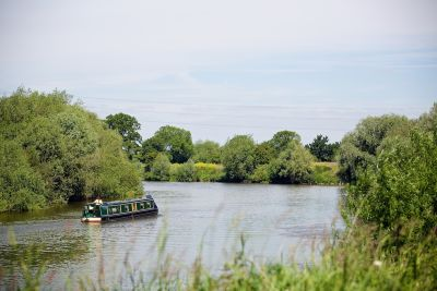 A38 Dog-friendly pub on the river near Gloucester, Gloucestershire - Driving with Dogs