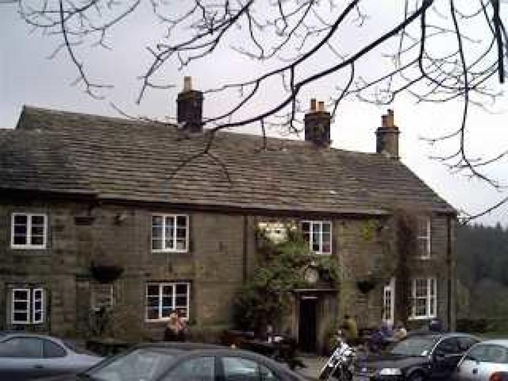 Strines dog-friendly pub and walk near Sheffield, South Yorkshire - Dog walks in Yorkshire