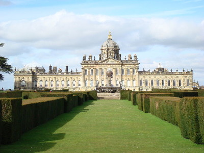 A visit to Castle Howard with the dog, Yorkshire - Driving with Dogs