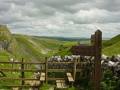 Limestone Walk with the dog at Malham, North Yorkshire - Driving with Dogs