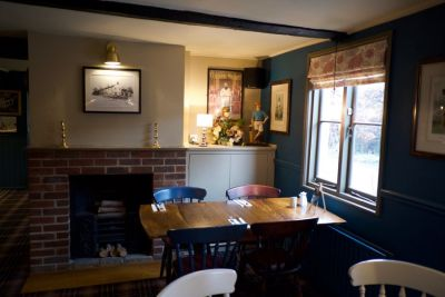 M11 Jct 8 Dog-friendly pub and dog walk, Essex - Driving with Dogs