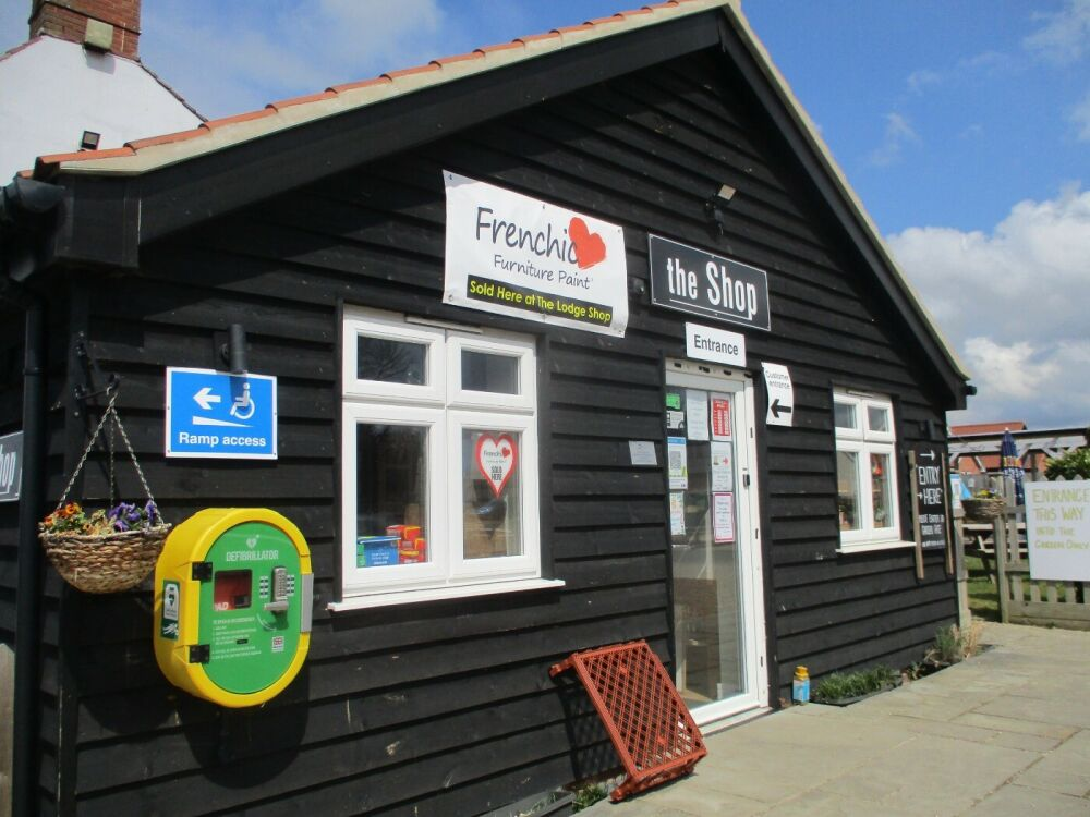 The Lodge dog-friendly stop near the A47, Norfolk - Norfolk dog-friendly pub with garden