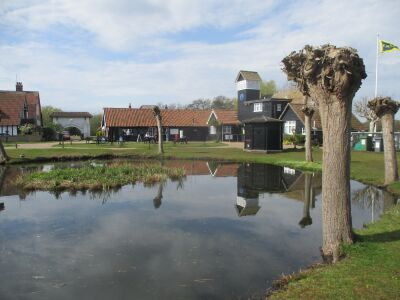 Vintage holiday village, walks and dog-friendly B&B, Suffolk - Driving with Dogs